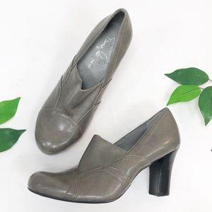 Franco Sarto Artist Collection Grey  Heel 6